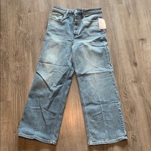 FREE PEOPLE Wide Legged Light Wash Denim Jeans